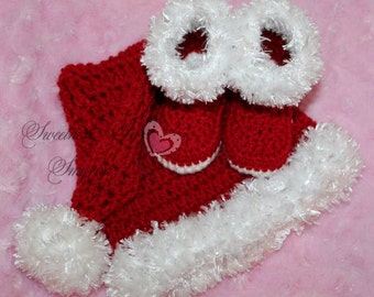 Santa Hat and Boots, Christmas Stocking Cap, Babies First Christmas, Crochet Santa Baby Set, Super Soft with Fur Trim, Newborn Photo Prop