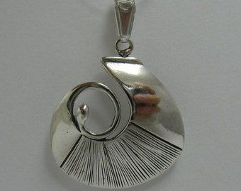 PE000818 Sterling silver pendant solid 925 Spiral