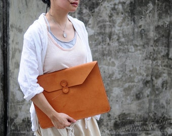 Hand Stitched Leather Mac Book Pro Laptop Case/ Clutch