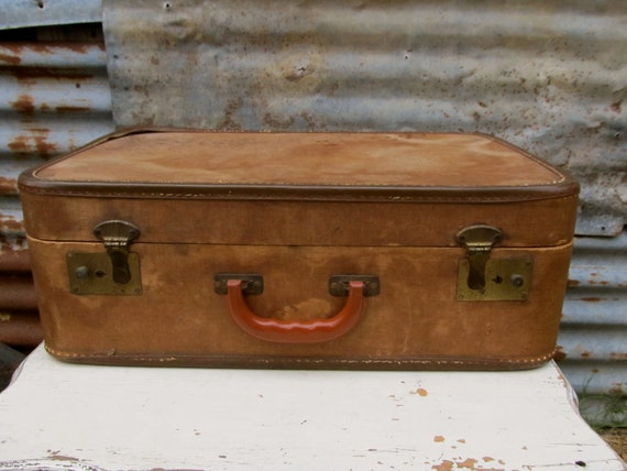Put This Shabby Vintage Suitcase With The Other Two I Listed And You'll Have A Full Stack