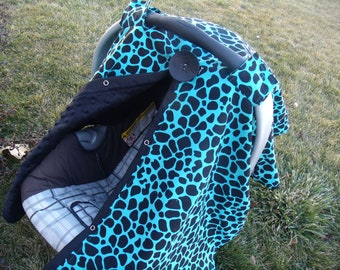 Carseat Canopy Turqouise and Black Giraffe with Minky Back