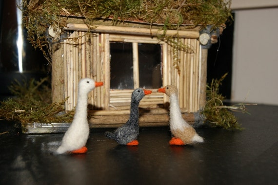 Felted duck, miniature duck, felted farm animals, felt toys, natural wool toys, needle felted duck