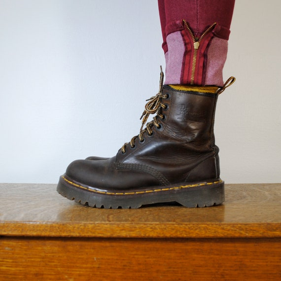 vintage Doc Martens boots / brown leather (size 7.5 US)