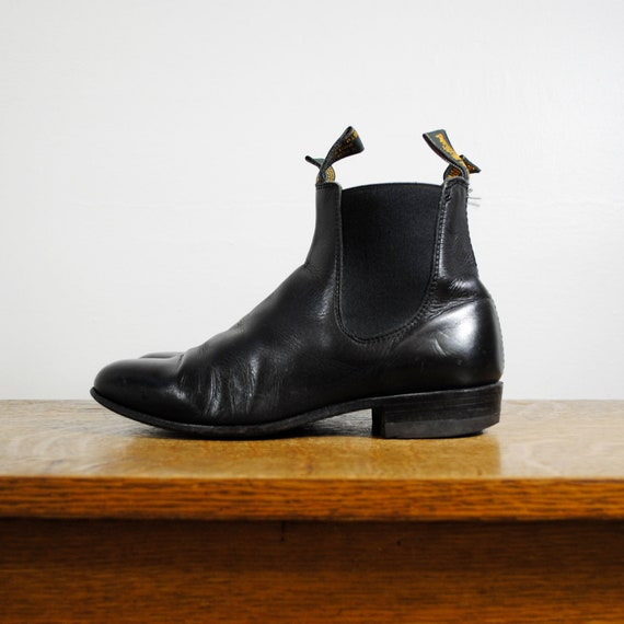 vintage boots / cropped chelsea boots / r m williams (size 6.5)