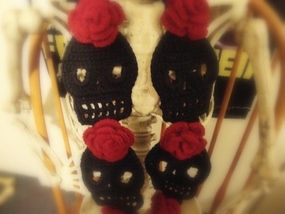 Black with Red Roses Cute Crochet Skull Scarf