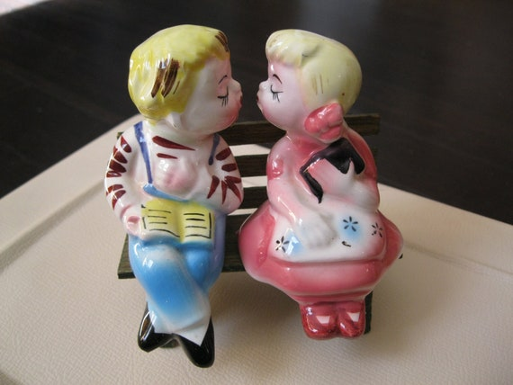 Kissing salt and pepper shakers - Salt and pepper shakers hugging ...