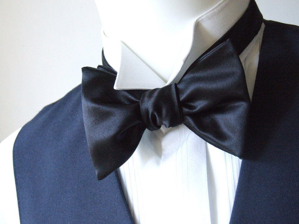the big bow tie black satin i make freestyle bow ties for
