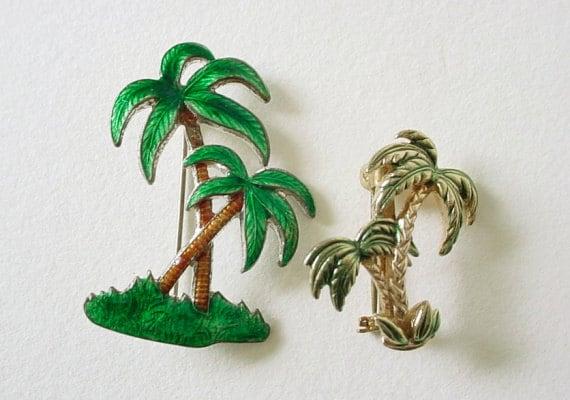 Very Cute Pair Of Vintage Enameled Metal PALM TREE Pins