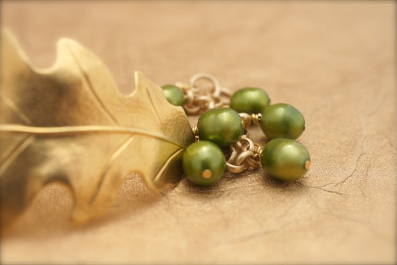 GOLD LEAF and Natural Green Pearl Bracelet by Cheydrea