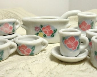 Dolly's Soup Dishes: Vintage Service for 4 with Soup Crocks, Mugs, Plates, Tureen and Ladle