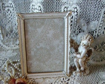 Vintage, Romantic Cottage, Scalloped white and gold color Metal Frame 5 x 7, elegant