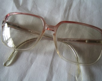 Hip Vintage Woman Pinkish Fade Glasses Frames