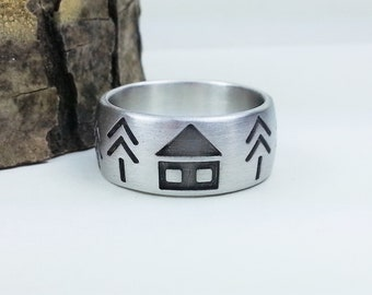 Sterling silver engraved ring. The house in the woods