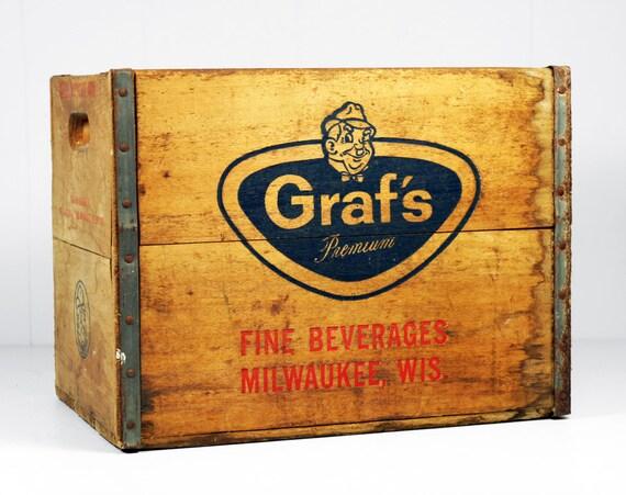 Vintage Early 1960's Wooden Graf's Premium Fine Beverage Crate, Milwaukee, Wisconsin