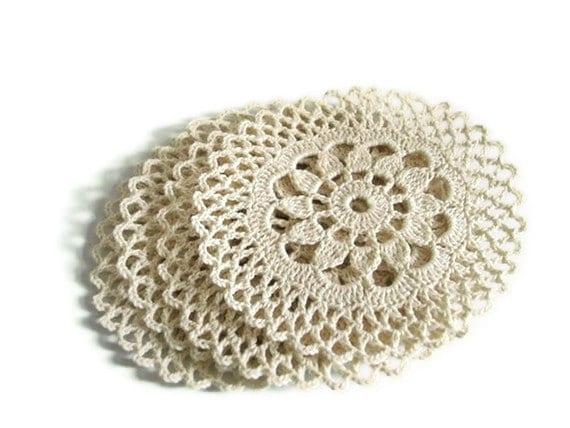 Holiday Crochet Coasters, Set of 4 Christmas Coasters, Kitchen Table Decoration, Hostess Gourmet Gift Idea