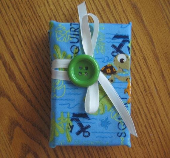 Nemo n Squirt Crayon & Paper Holder
