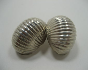 Vintage Silver Shell Earrings