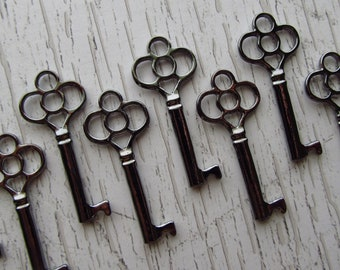 Belcourt Skeleton Key in Gunmetal/Black - Set of 10