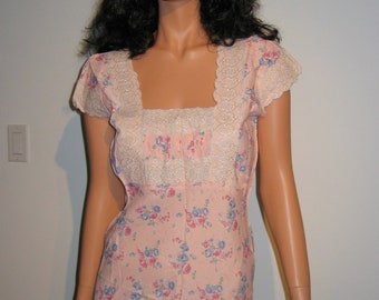 Sexy 1940's Night Gown. Vintage Floral Gown with Lace detail bodice. Pink and Blue.  Hidden message.