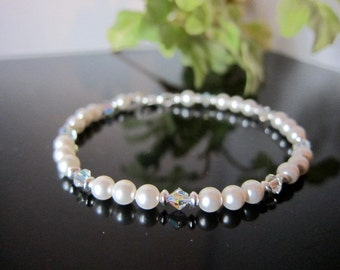 Swarovski Crystal and Pearl Bracelet in Snow White