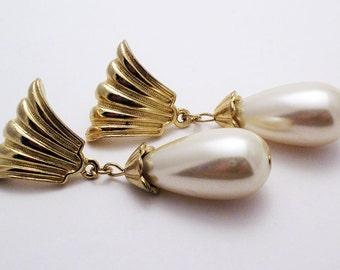 Vintage Richelieu Pearl Earrings
