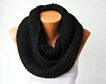 Knit chunky cowl ,Chunky crochet inifnity loop ,kniting infinity cowl scarf,  black crochet scarf , knit chunky