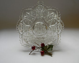 BOWL, Beautiful Pressed Glass  Serving Bowl