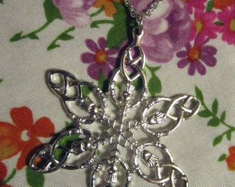 Vintage Silver-Plated Snowflake Necklace