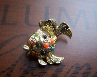 Vintage 60's Whimsical Retro Gold Guppy Fish Pin Brooch