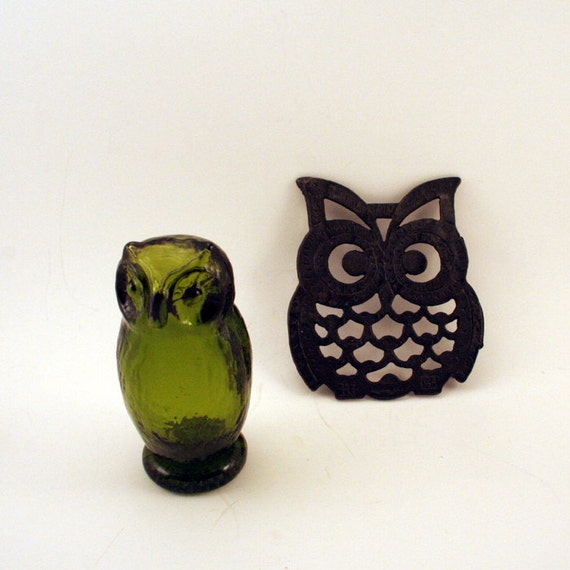 Vintage Green Glass Owl and Black Owl Trivett