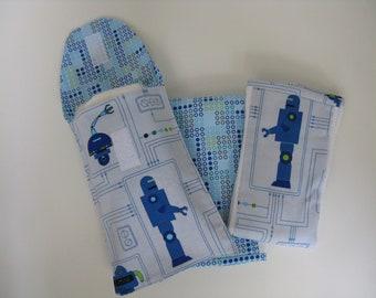 Robot/Blue Dots Burp Cloths & Diaper n' Go