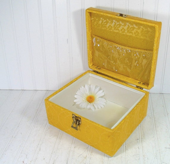Retro Gold Damask Quilted Sewing Box - Vintage Square Wooden Carry All - Crafters Tote
