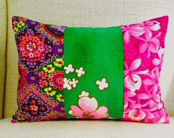 Throw Pillow Cover - Vintage Flower Power Patchwork - Fuchsia & Kelly Green - 12 x 16