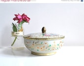 SALE French vintage tin box in white, gold, pink & blue, Christmas decor, Holiday decor - Donkeystudio