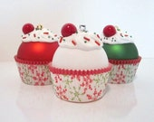 Cupcake Ornaments / Christmas Ornaments / Set of 3