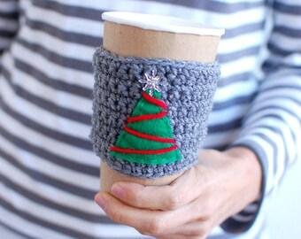 Christmas Cup Cozy, Crochet Coffee Sleeve, Reusable Coffee Cozy with felt Christmas Tree, Holiday coffee cozy.
