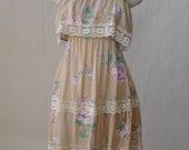 lightweight cotton floral dress / vintage 70s purple sleeveless dress / ruffles, tiers XS/S