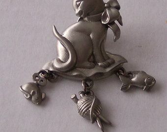 SALE - 15% off - Fine Vintage Lindsay Claire Play Cat and Mouse Yarn Fish Charms Pin Pewter Brooch