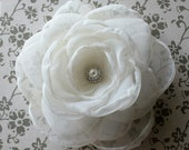 Creamy ivory hair flower - with vintage inspired rhinestone pearl center