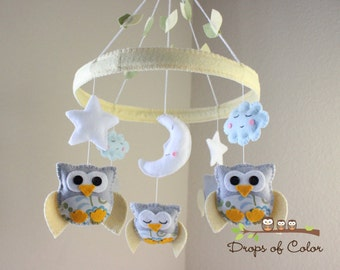 "Baby Crib Mobile - Baby Mobile - Owl Mobile ""Baby Owls in the Circle of Love"" (You can pick your colors) Mobile - Nursery Mobile"