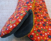 Red Mod floral Vintage Fabric Oven Mitts