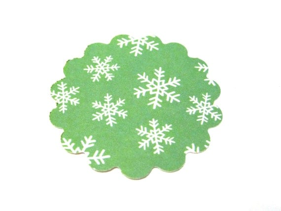 Green and White Christmas Snowflake Scallops Scalloped Round Die Cut Tags 2 inch - Set of 25