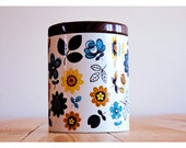 English flower motif cookie tin / container