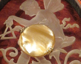 Vintage Faux Mother of Pearl Clip