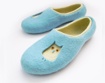 Felted woman slippers OWLS
