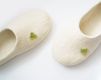 Felted women slippers ROSES