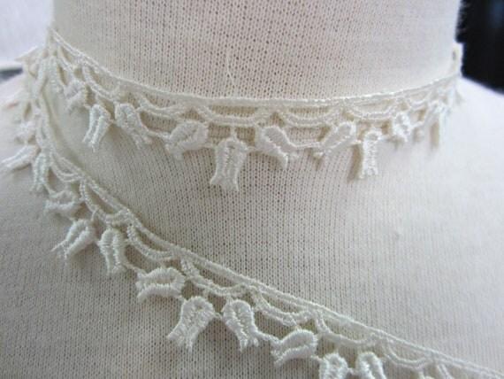 2yd  petite lace trims ivory tulip flower venise lace bridal lace trims wedding veil gown garter  lace trimmings by Catherine Cole Studio