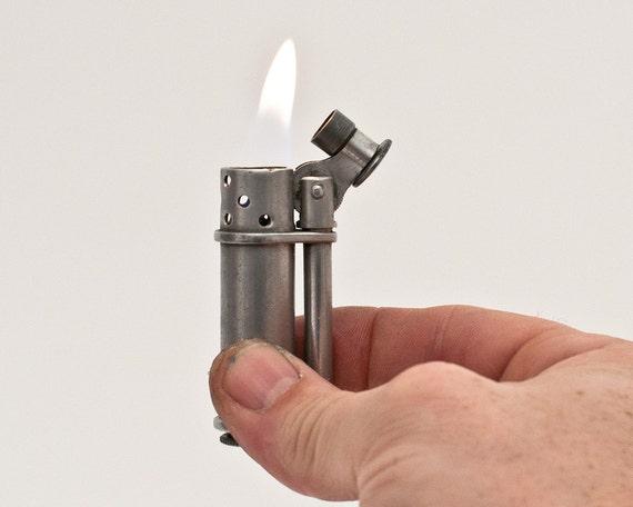 Working 1940s Signal-U Aluminum Fyre-Fly Lighter