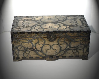Lord Mock's Thorn Vine Box