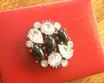 black and clear glass rhinestones  brooch